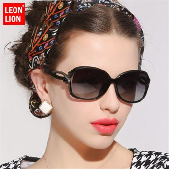 LeonLion 2019 Butterfly Mirror Foot Sunglasses Women Plastic Oval Sun Glasses Luxury Travel UV400 Lunette De Soleil Femme