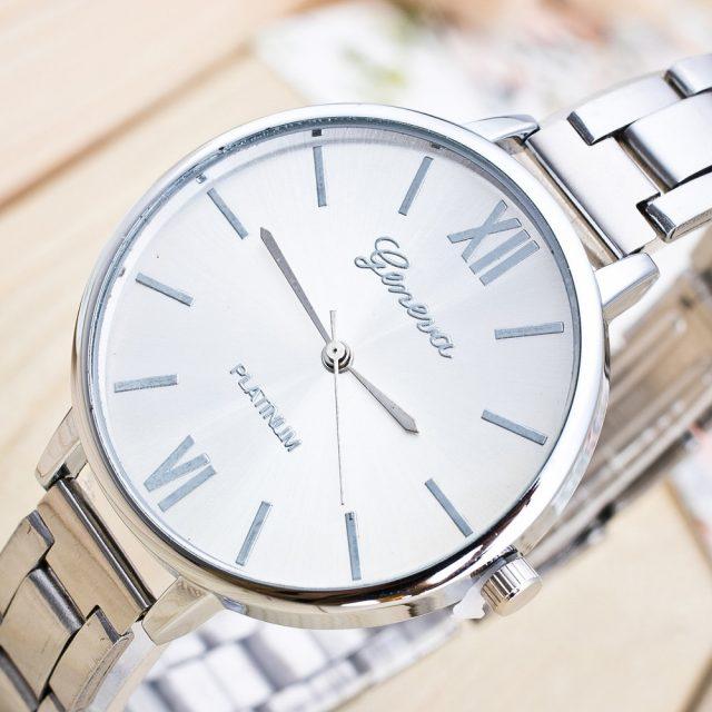 Woman Mens Retro Design Alloy Band Analog Alloy Quartz Wrist Watch montre homme luxury watches men stainless steel