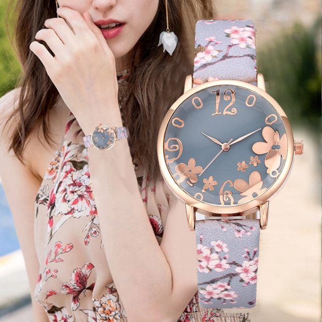 2019 Fashion Watch Women Embossed Flowers Small Fresh Printed Belt Student Watches Quartz Wristwatch Leather Band saar bracelet