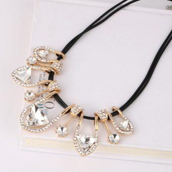 LEADERBEADS 2019 New Women's Luxury Geometric Leather Chain Choker Necklace For Wedding Gift Jewlery Crystal Elegant Pendant