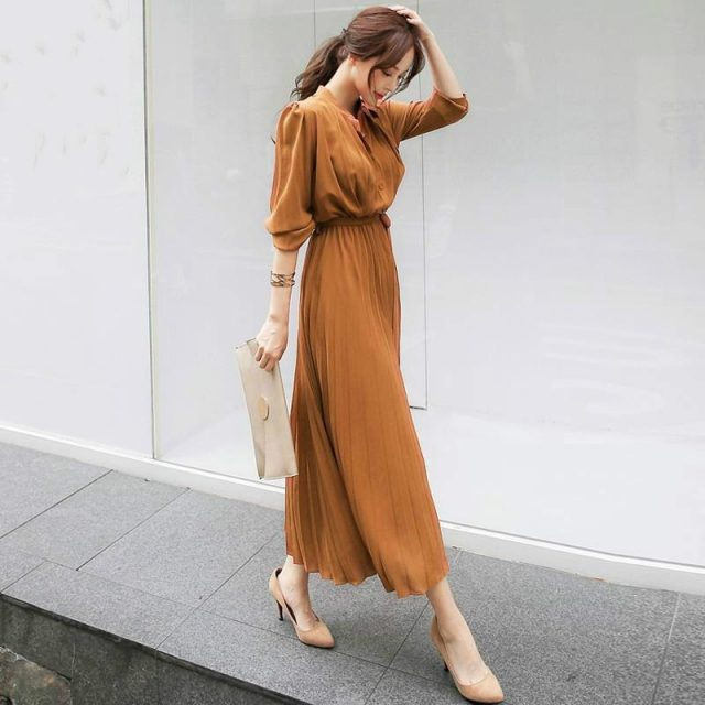 Long Sleeve Button Pleated Dress Autumn 2019 New Slim Tight Waist Elegant Dress Women Solid Color Stand Collar Casual Dresses