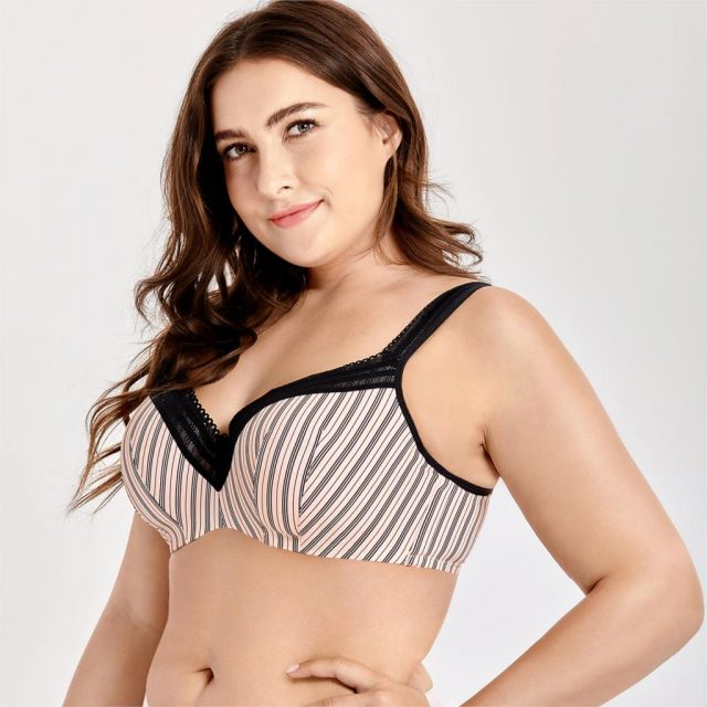 Women's Full Figure Lightly Lined Underwire Seamless Balconette Bra