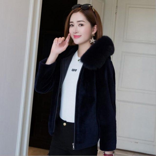 Luxury red natural sheep shearing fur jacket winter women real fox fur hooded short coats outwear