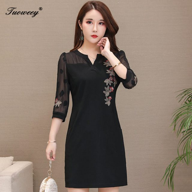 2019 autumn Women embroidery hollow out sexy mini dress floral 3/4 sleeve Loose elegant V neck A-Line elegant dress