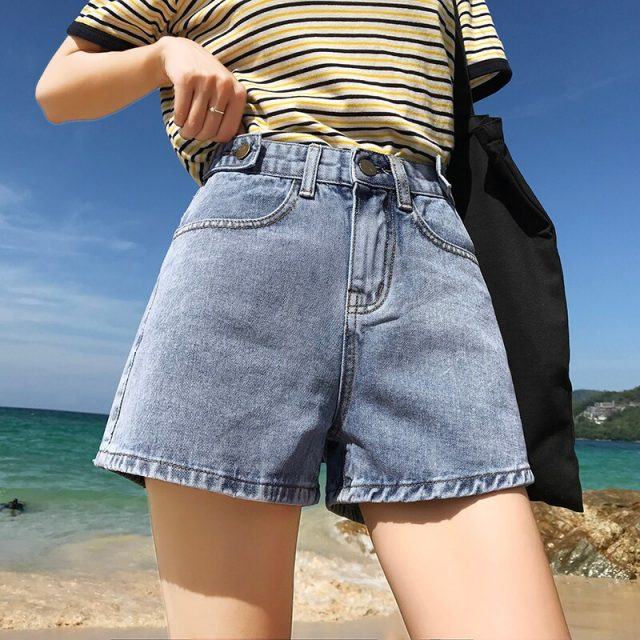 2019 Euro Style Women Denim Shorts apricot Vintage mid Waist Tassel Jeans Shorts Street Wear Sexy Wide Leg Shorts For Summer