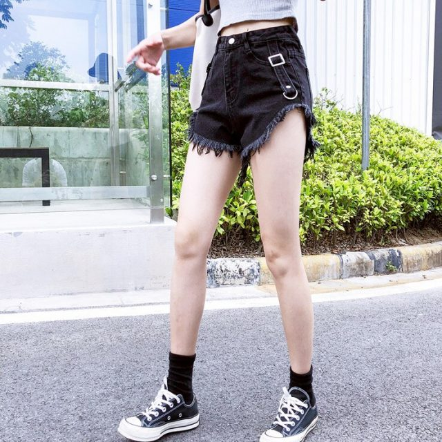 2019 Euro Style black Women Denim Shorts Vintage mid Waist Tassel Jeans Shorts Street Wear Sexy Wide Leg Shorts For Summer