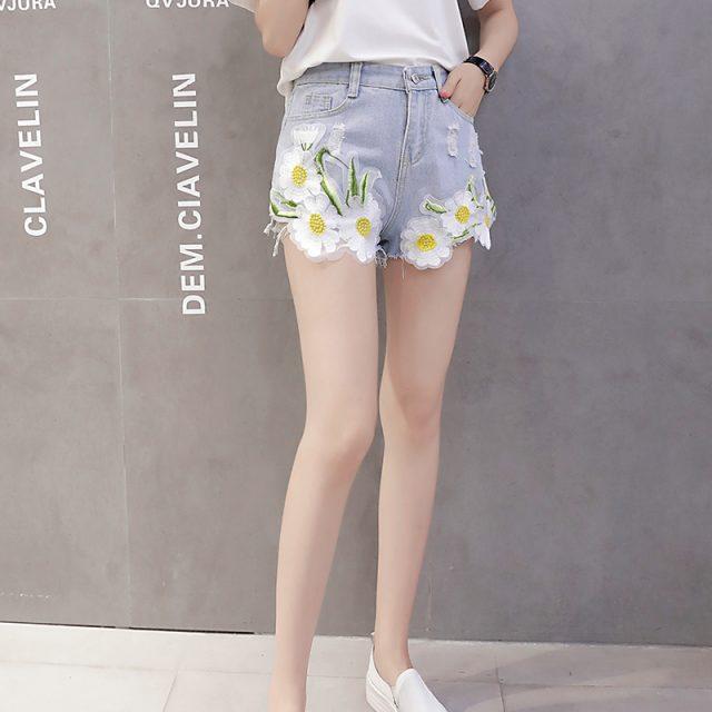 2019 Euro Style Women flower Denim Shorts Vintage mid Waist Tassel Jeans Shorts Street Wear Sexy Wide Leg Shorts For Summer