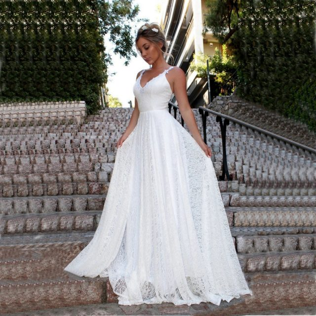 Stylish Lace Ivory Wedding Dress 2019 Sexy Long Wedding Gowns Women Party Bohemian V-Neck Backless Beach rural Bridal Dresses