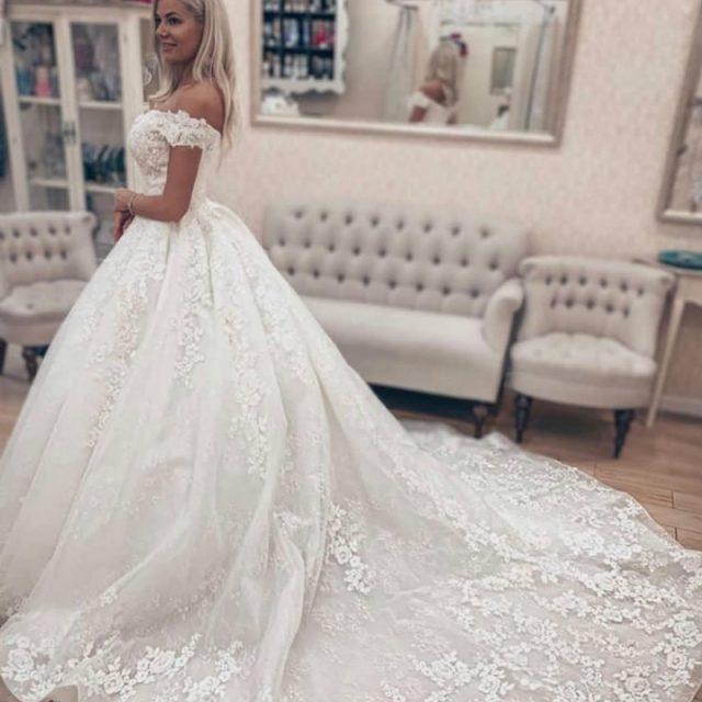 Off The Shoulder Wedding Dress 2020 Puffy Lace Appliques Plus Size Ivory Long Train Church Lawn Vestido De Novia Gowns for Bride