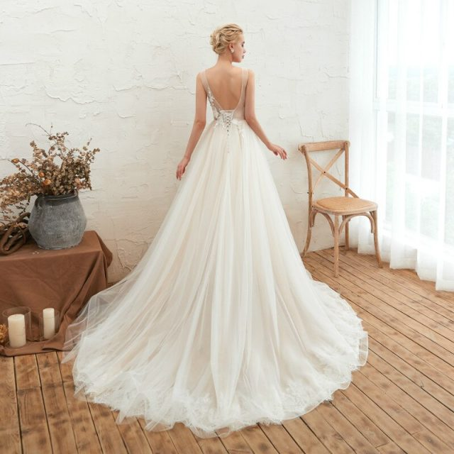 Elegant Wedding Dress V neck Backless Tulle Applique Lace Up A-Line Lace Bridal Ball Gowns