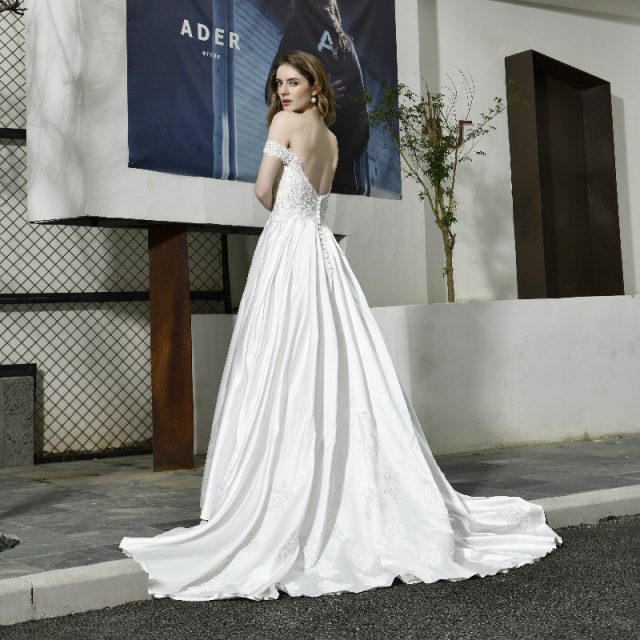Elegant Off Shoulder Wedding Dress Lace Vintage Satin backless Applique Sequins A-line Bridal Gown