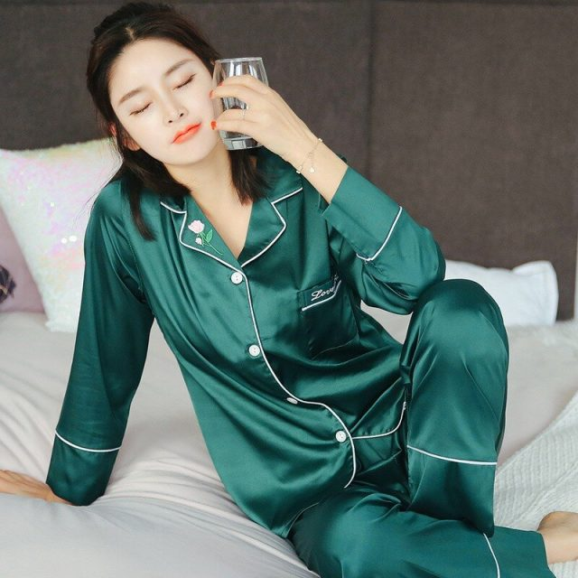 2020 New Autumn Silk Satin Long Sleeve Pajama Sets for Women Sleepwear Suit Pyjama Loungewear Homewear Pijama Mujer Home Clothes