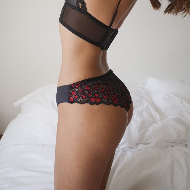 SP&CITY Floral Embroidered Hot Sexy Lace Underwear Women's Hollow Out Panties Sex Thongs Low Waist Seamless Briefs Ltanga