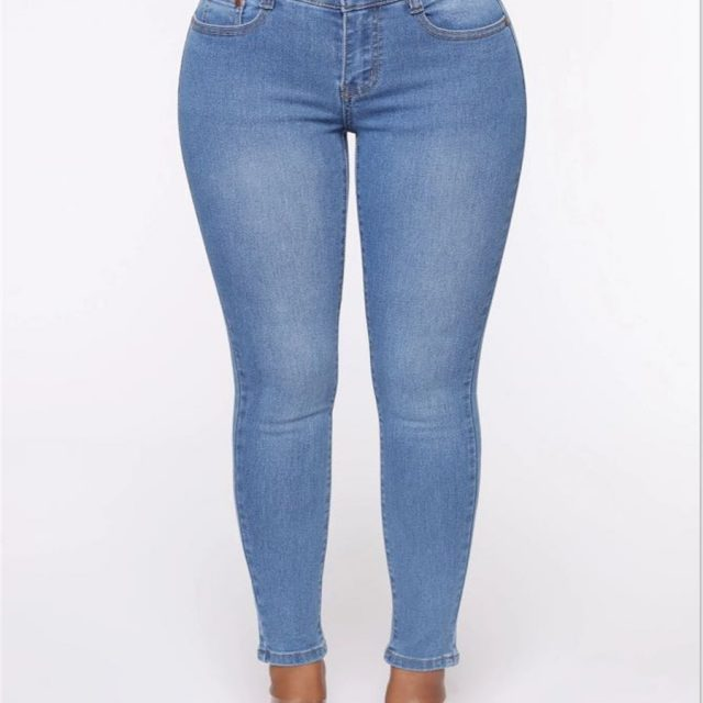 Hole Denim PantsTrousers Buttocks Torn Pencil Pants Women's Ripped Elasticity Jeans